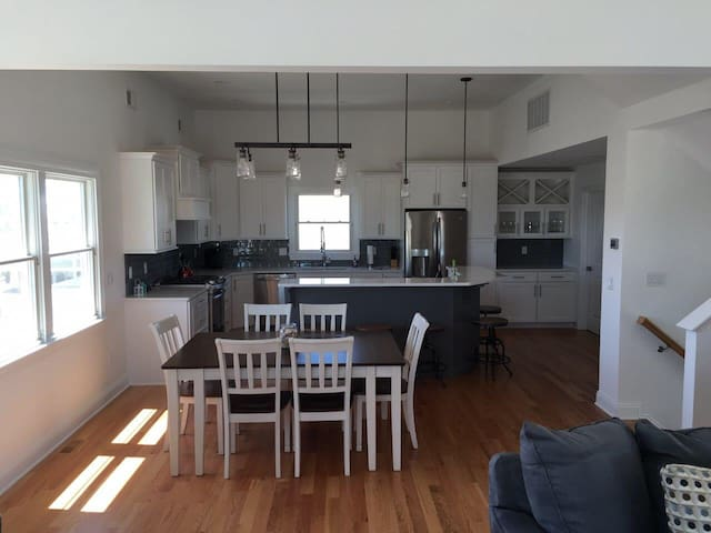 Gorgeous LBI Rental in Brighton Beach!