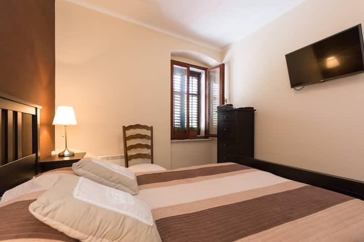 Center, room with bathroom,  center,parking Hostel