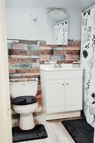 Gwynn Oak Apt 3B. Private room and private bath.