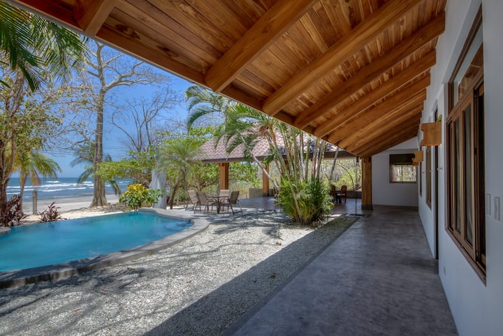 Dreamy Beach Home w/inf. pool & outd. living area