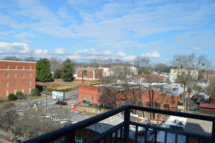 Beautiful View & Beautiful Condo! (#626)