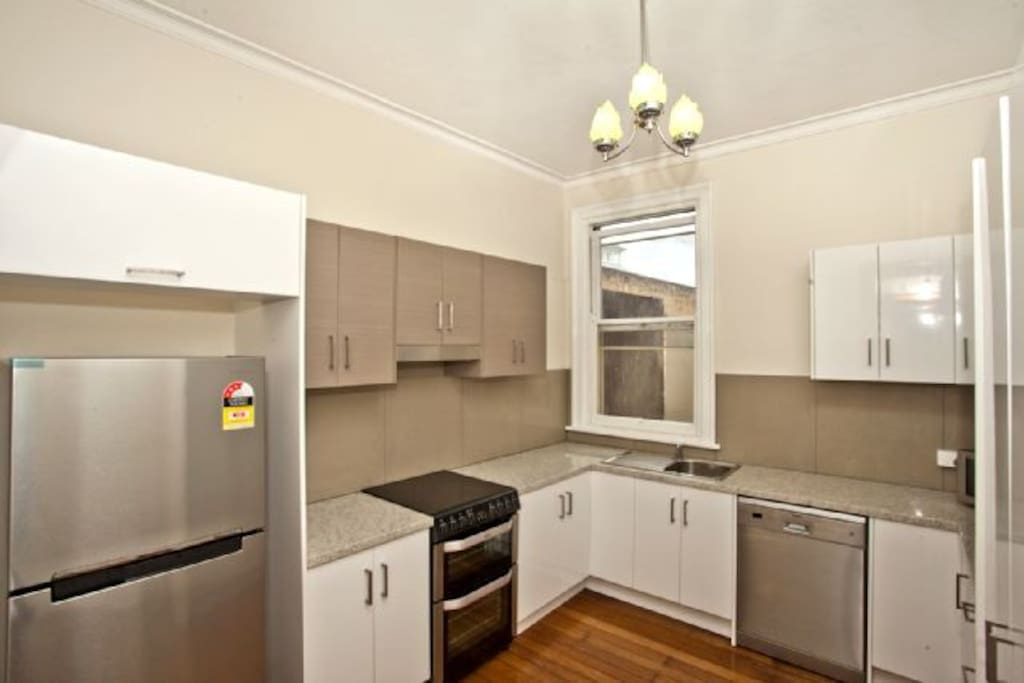 Kitchen with Dishwasher and fully equipped