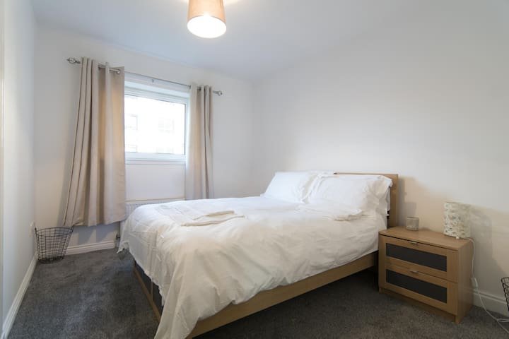 CLOSE TO GLASGOW CITY CENTRE 2 BEDROOM GROUNDFLOOR - Glasgow - Apartamento