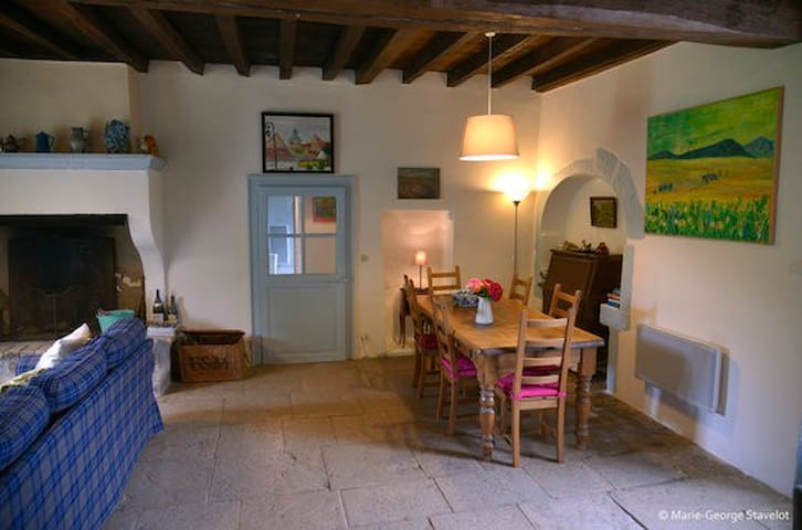 The open plan living area of Coach House