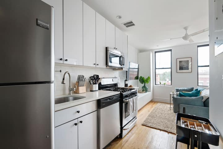 Spacious private room in Greenpoint