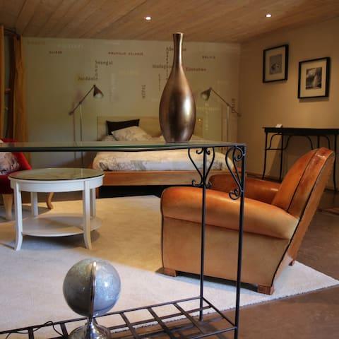 Chambre spacieuse et chaleureuse - Laudun-l'Ardoise - Bed & Breakfast