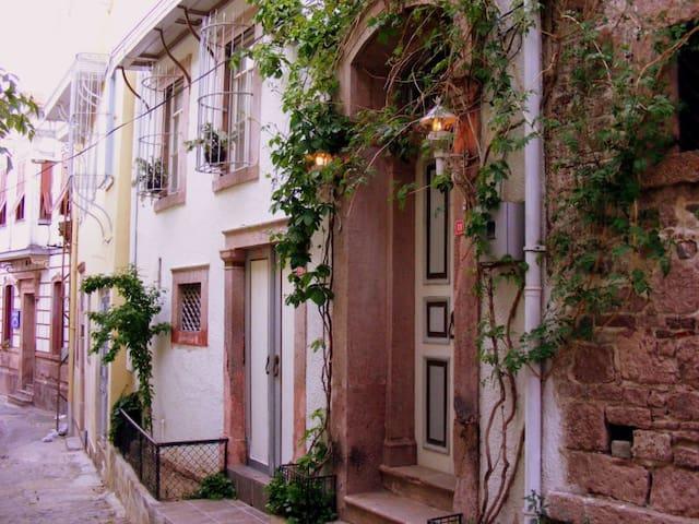 Ayvalık Guest House - Apart Room - Ayvalık - ที่พักพร้อมอาหารเช้า