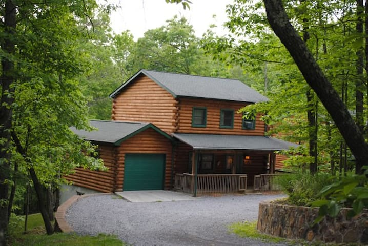 The West Virginian. A great cabin - Pipestem - Hus