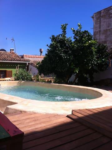 Casa de Pueblo con Encanto - Sagra - Casa
