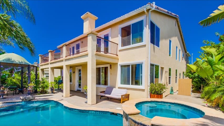 New, Luxury,Suburban w/Ocean Views! - San Diego