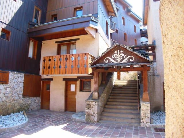 bel appartement, idéalement situé - valmorel - Huoneisto