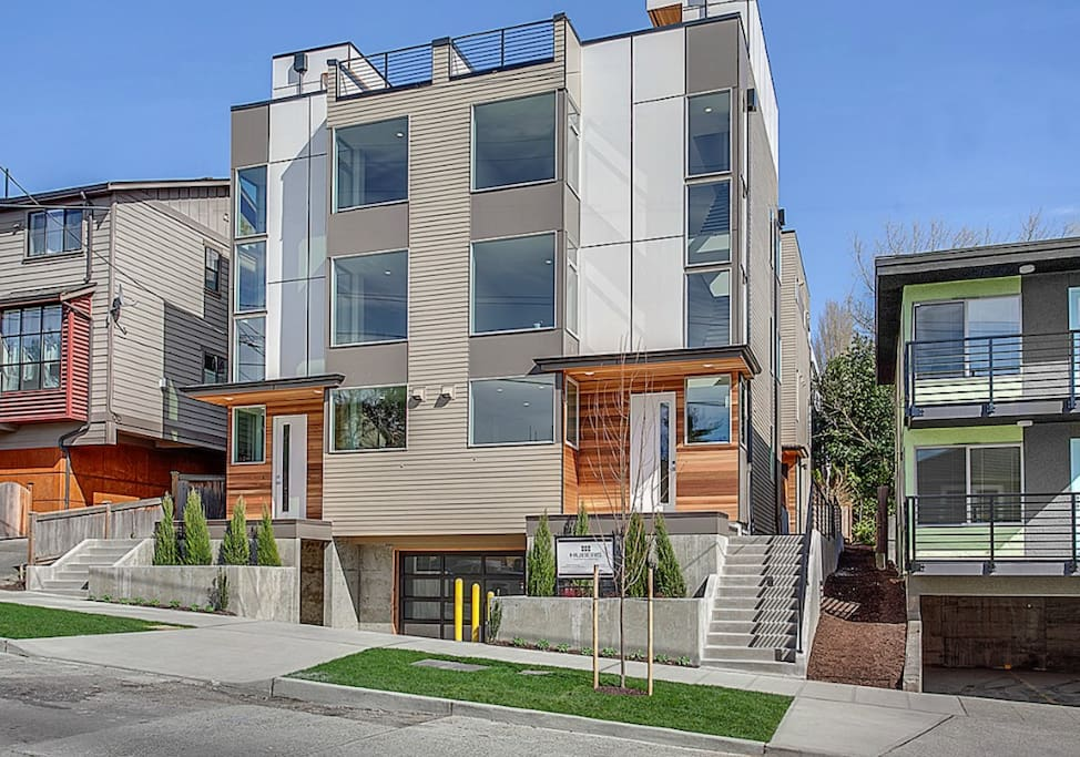 New luxury and modern townhome