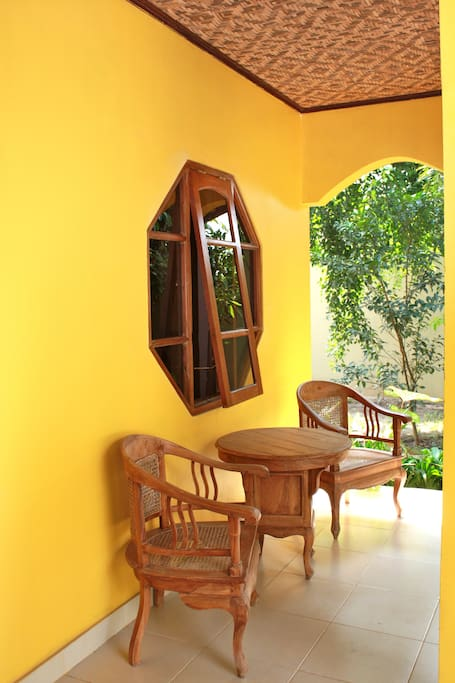 Private terrace, in the shade of the rambutan tree...