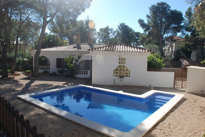 Villa and pool ideal for family holidays