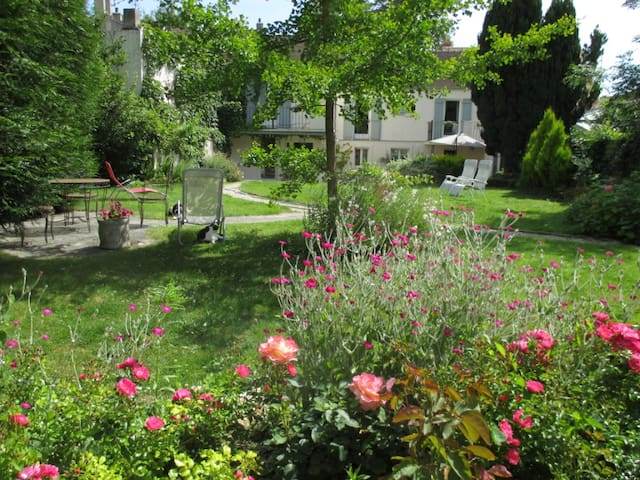 Beautiful Home close to Paris - Montfort-l'Amaury - Haus