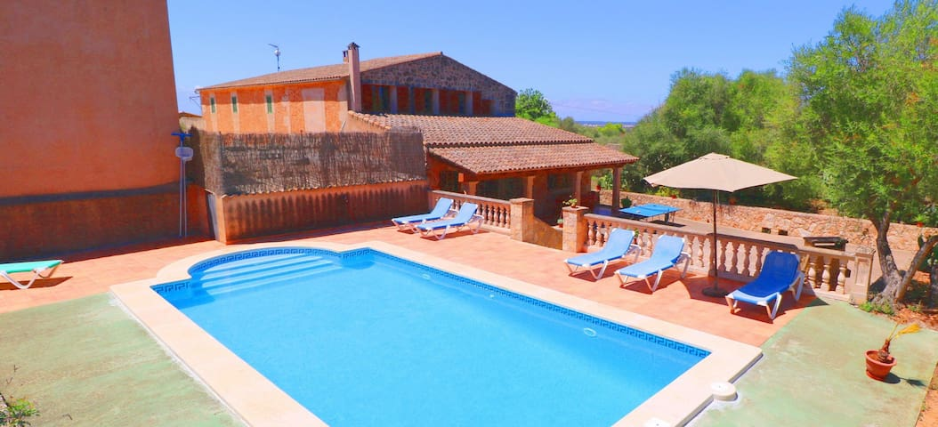 Villa Guillem,wifi,private pool,ping pong,beach!