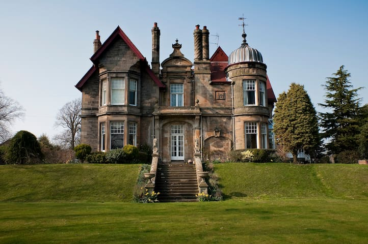 Apartment within Victorian Mansion - Linlithgow - Byt