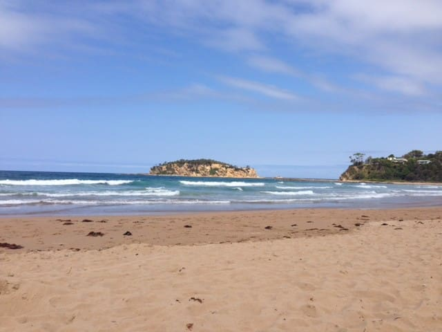 Stroll to Rosedale Beach - Cooks Crescent