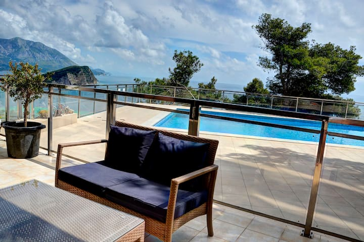 Cozy apartment with swimming pool - Budva - Appartement