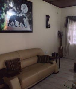 Mi Casa Guest House - Maison