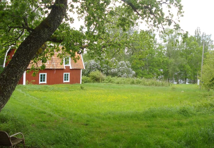 Swedish Red Cottage Late 18th Cent. - Gnesta - House