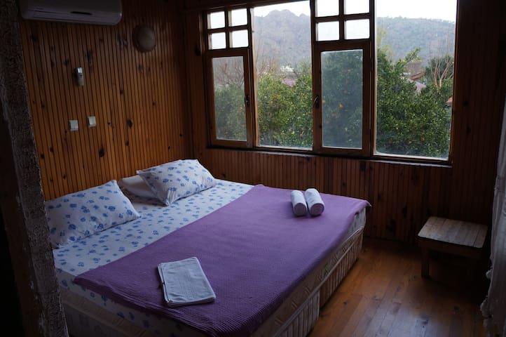 Wooden Tree House w/ AC by seaside - Antalya / Kemer / Ulupinar  / Çıralı - Bed & Breakfast
