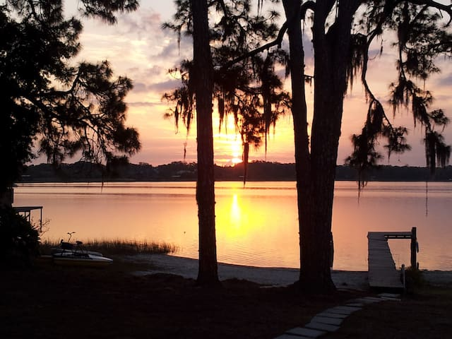 Lakehouse Getaway on Lake Joanna - Eustis