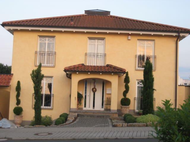 Mediterran wohnen in Fulda Galerie - Fulda - Rumah