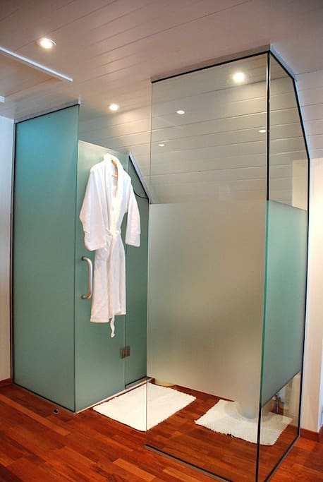 The Boat House - Bathroom