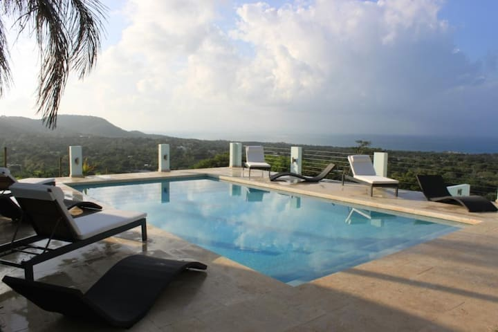 Skyfall - Lower Landing - Top of the World Views - Vieques - Rumah