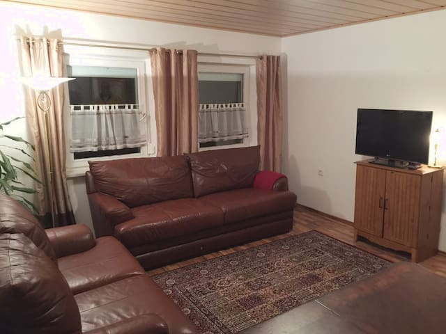 Hohenfels BNB Plus Apartment #2, (150 m2) - Hohenfels - Apartment