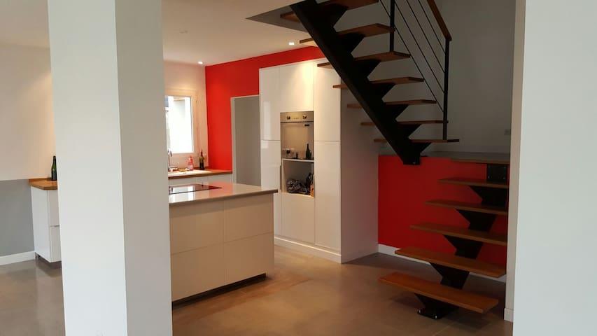 Chambre dans villa quartier calme - Calvisson