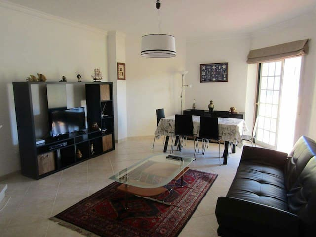 Carmo 7 Mares, T1 with pool and terrace (Ericeira)