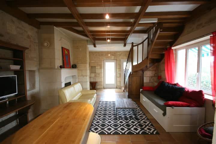 Jolie maison pierre T2 aux portes de Bordeaux