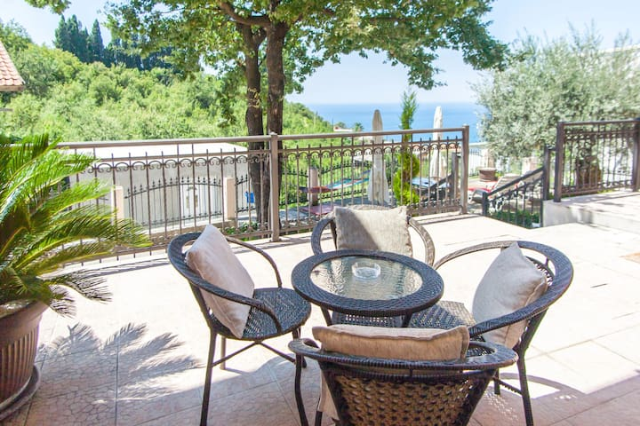 Peacefull Sea View 3 Bed Apartment - Sutomore - Apartamento