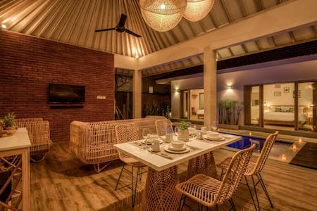 Lovely 2Bedrooms Villa close to Canggu!