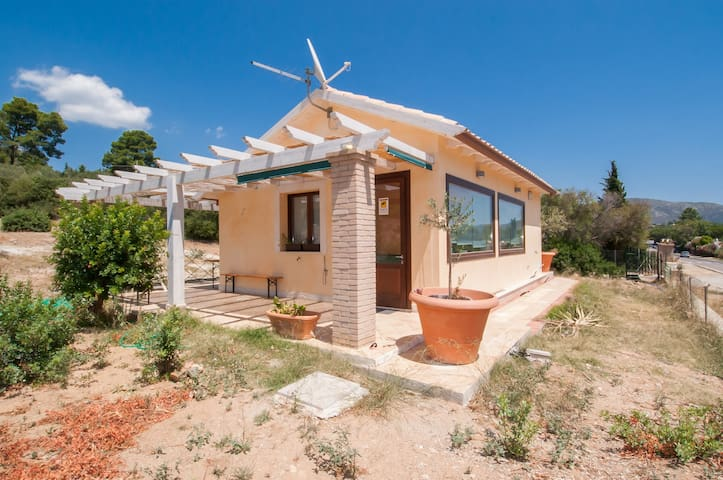 New house  with huge garden next to Capitana beach - Quartu Sant'Elena - Haus