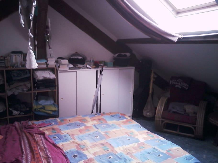 CH4: autre chambre sous combles.
