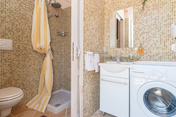 terra mala sublets, short term rentals & rooms for rent - airbnb ... - Tavolo Extra Lunga Estensione