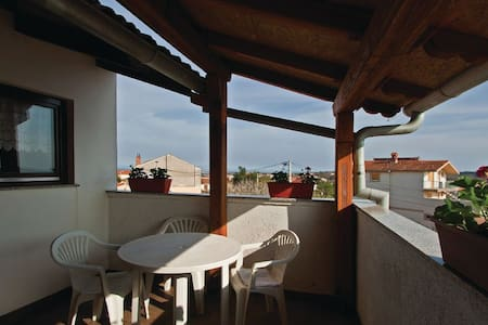 1 Bedroom Apts in Liznjan #8 - Liznjan - Appartamento
