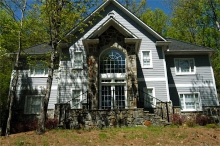Limestone Springs Cottage on the Course Unit A