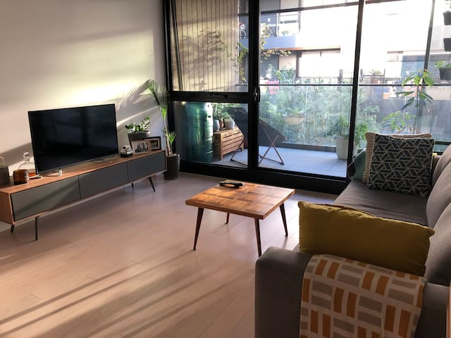 Bright and fresh modern apartment.