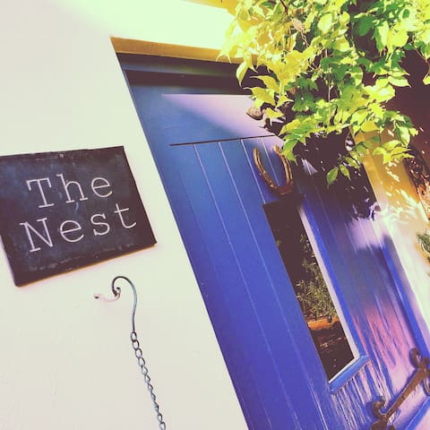 THE NEST; UNIQUE, ROMANTIC, PRIVATE - Cheltenham - Casa