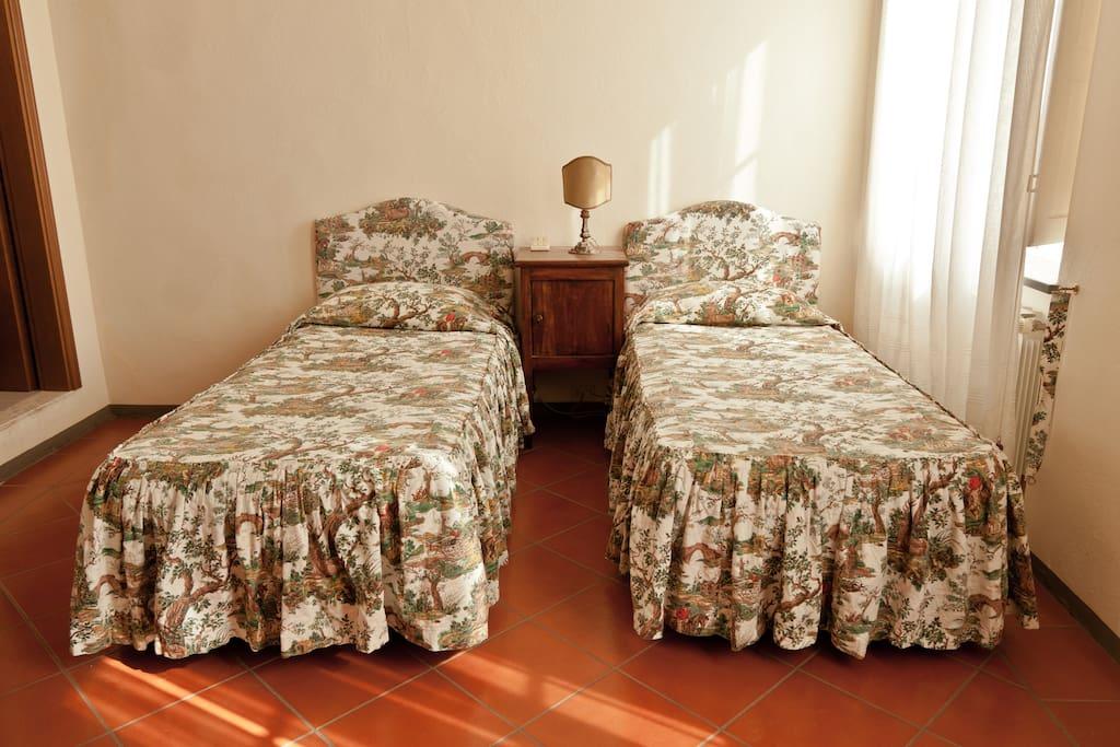 Camera a due letti trasformabile in matrimoniale