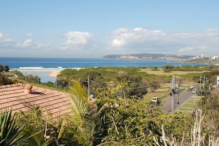 Beachside Curl Curl (Near Manly) - North Curl Curl - Talo