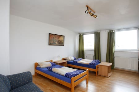Nice apartment - 3 bedrooms - Isernhagen - Apartamento