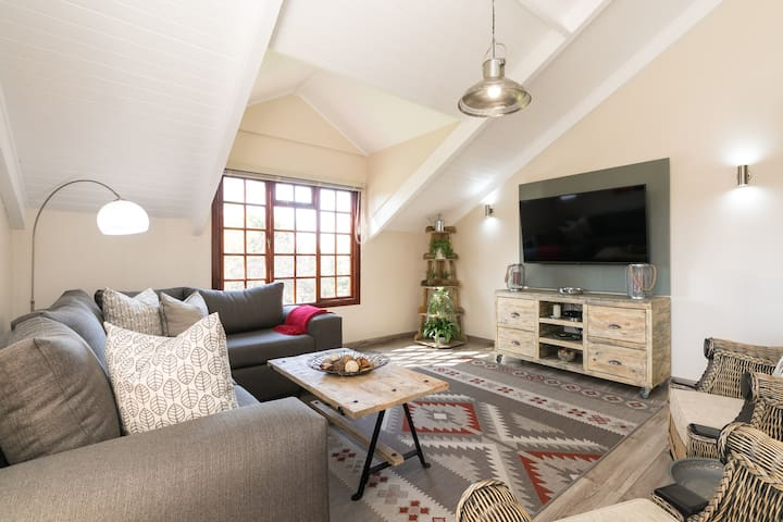 Lanseria Luxury Bushveld Loft