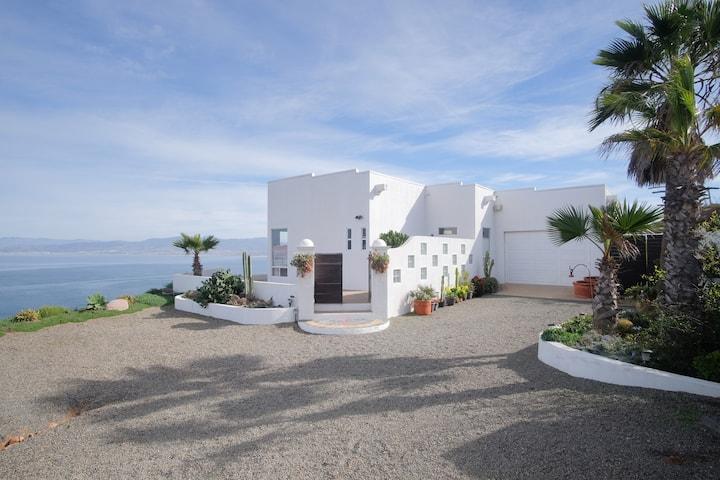 Stunning 180* View, Serene Relaxing Inspiring Home