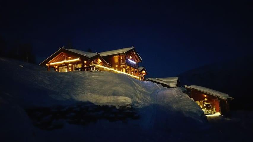 Luxurious Large Cabin in Myrkdalen Fjellandsby! - Voss - Casa