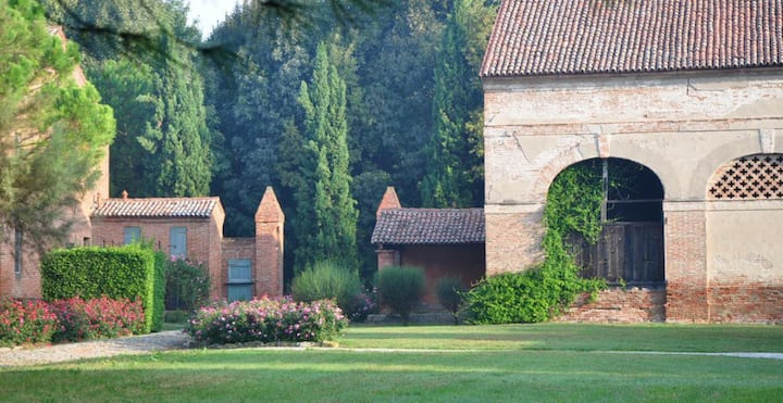 Borgo Giustiniani near Venice with pool